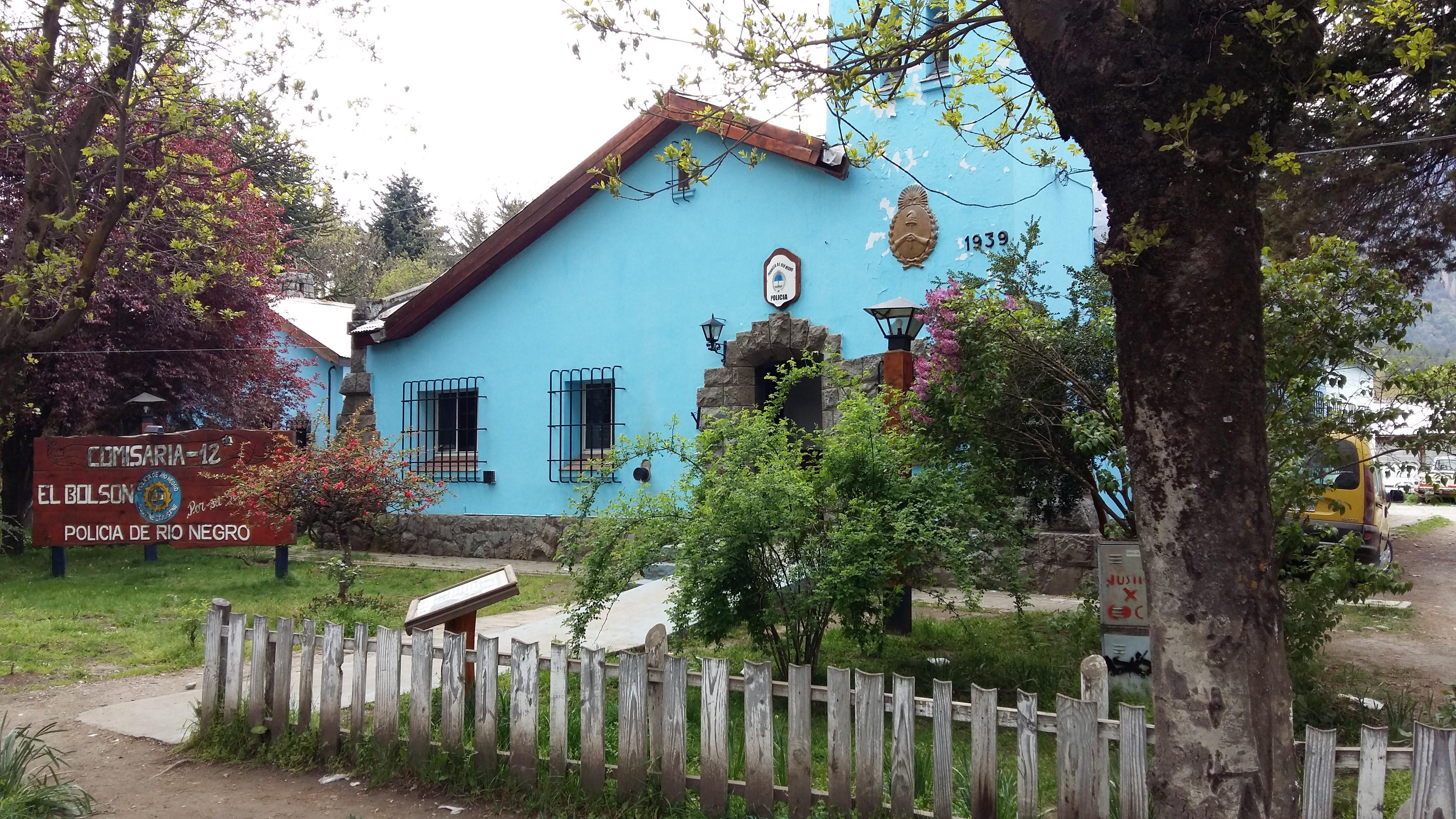 EL BOLSÓN: DETIENEN A UN ALBAÑIL QUE HIRIÓ A UNA MUJER