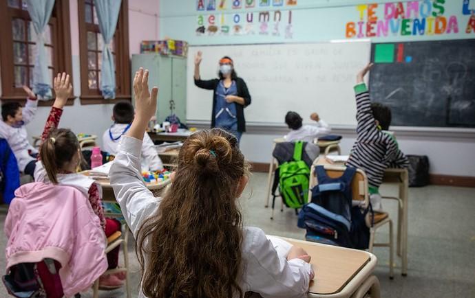 Desde el lunes 26 vuelven las clases presenciales en la provincia