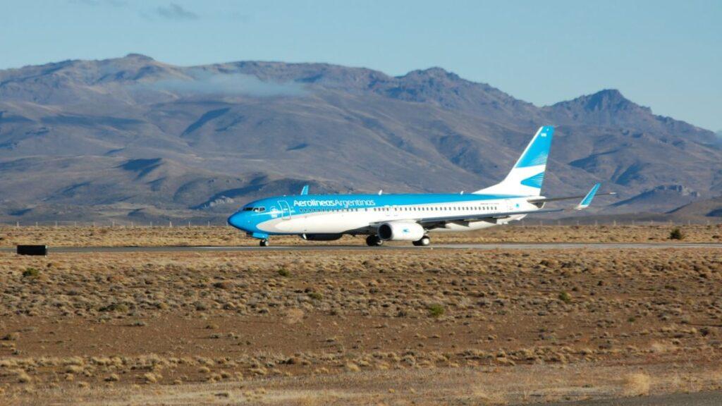Sin vuelos para los patagónicos, vuelos gratis para los extranjeros