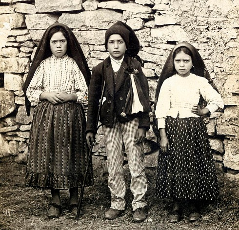 Hoy se celebra a Nuestra Señora de Fátima