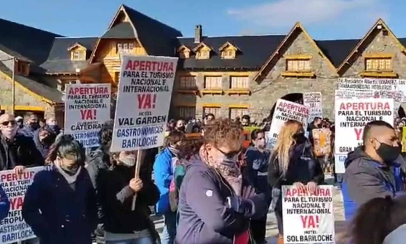 Bariloche: Gastronómicos de Uthgra insisten por la reactivación de turismo estudiantil